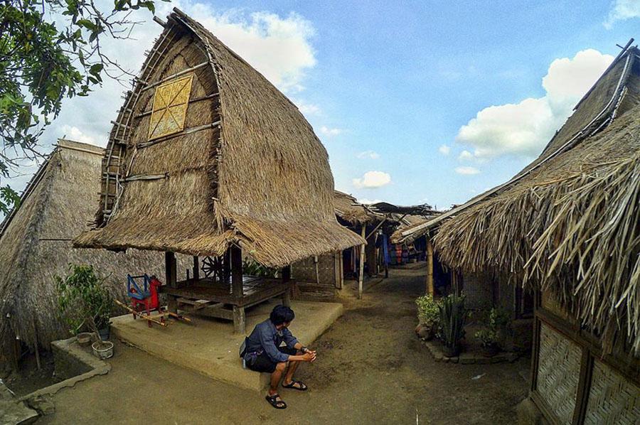 Sade-Village